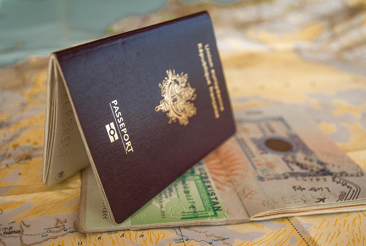 国外退去の可能性も?ESTAでアメリカ入国→結婚→グリーンカード取得